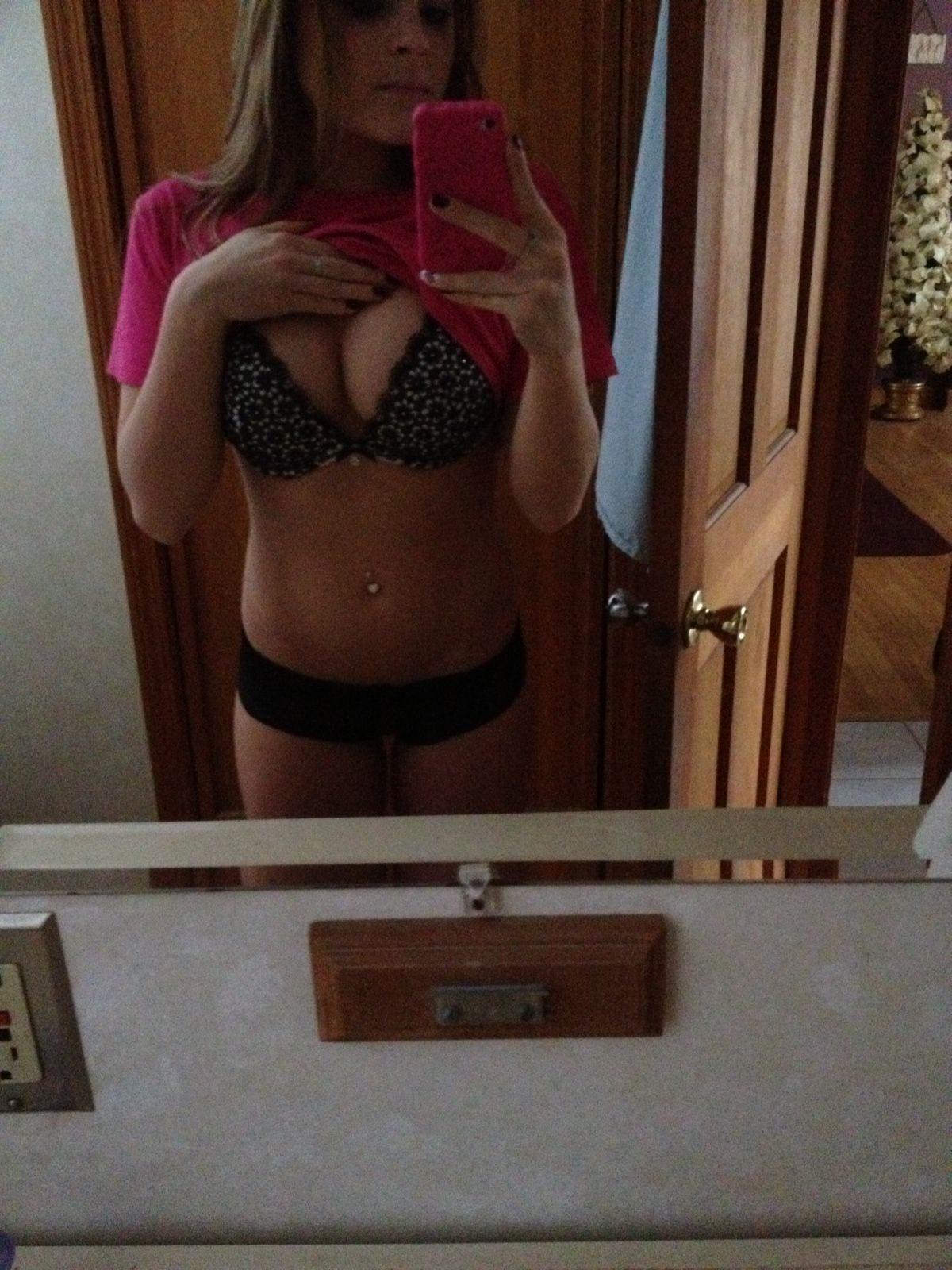 Sex Ashley Pac nudes (28 photos), Sexy, Sideboobs, Feet, butt 2017