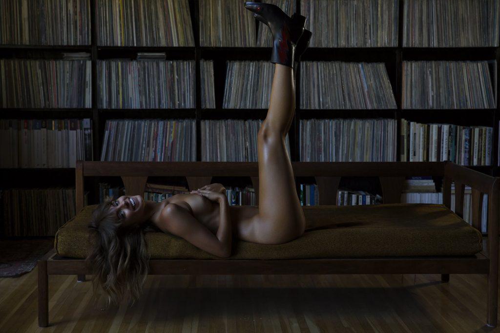 Carmella Rose Erotic Photoshoot (8 Photos)