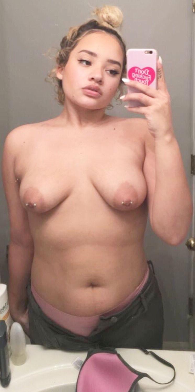 Kim Johansson Leaked Selfies