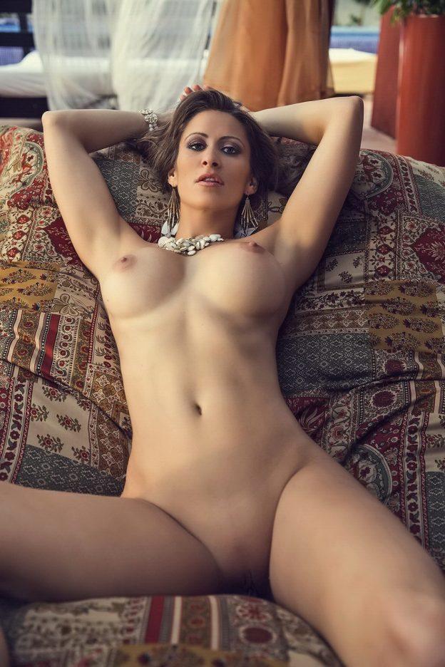 Anais Zanotti Nude