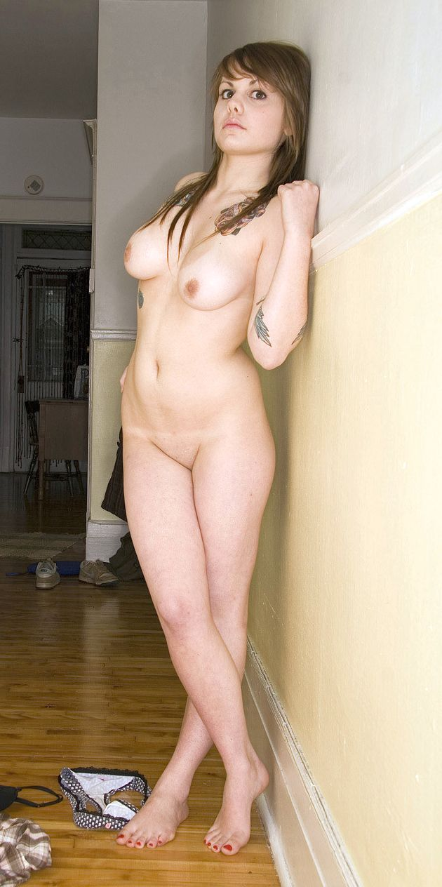 Canadian singer Coeur de Pirate aka Béatrice Martin leaked nude