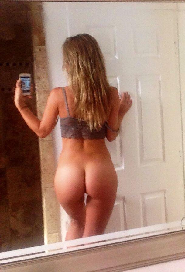 Flatliners actress Charlotte McKinney Leaked Busty Naked Photos