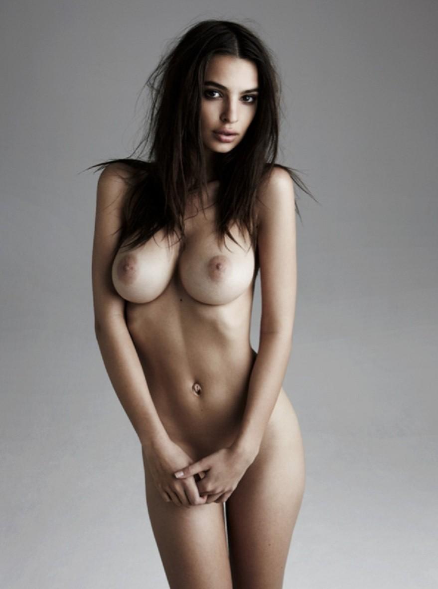 Emily Ratajkowski leaked nude selfies The Fappening