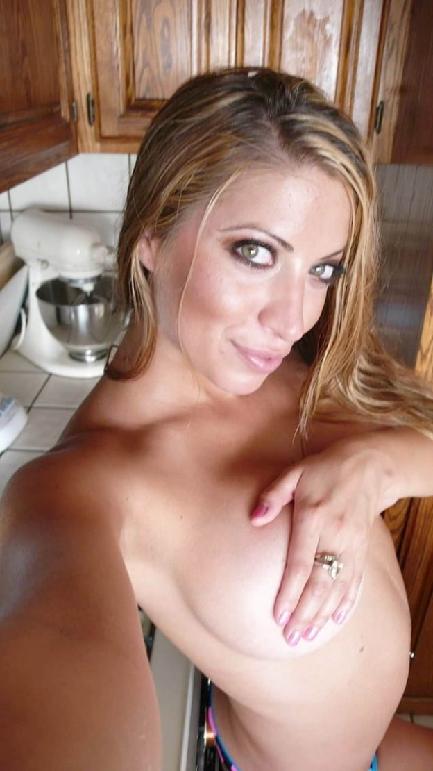 Johanna D. Boggio Nude Leaked
