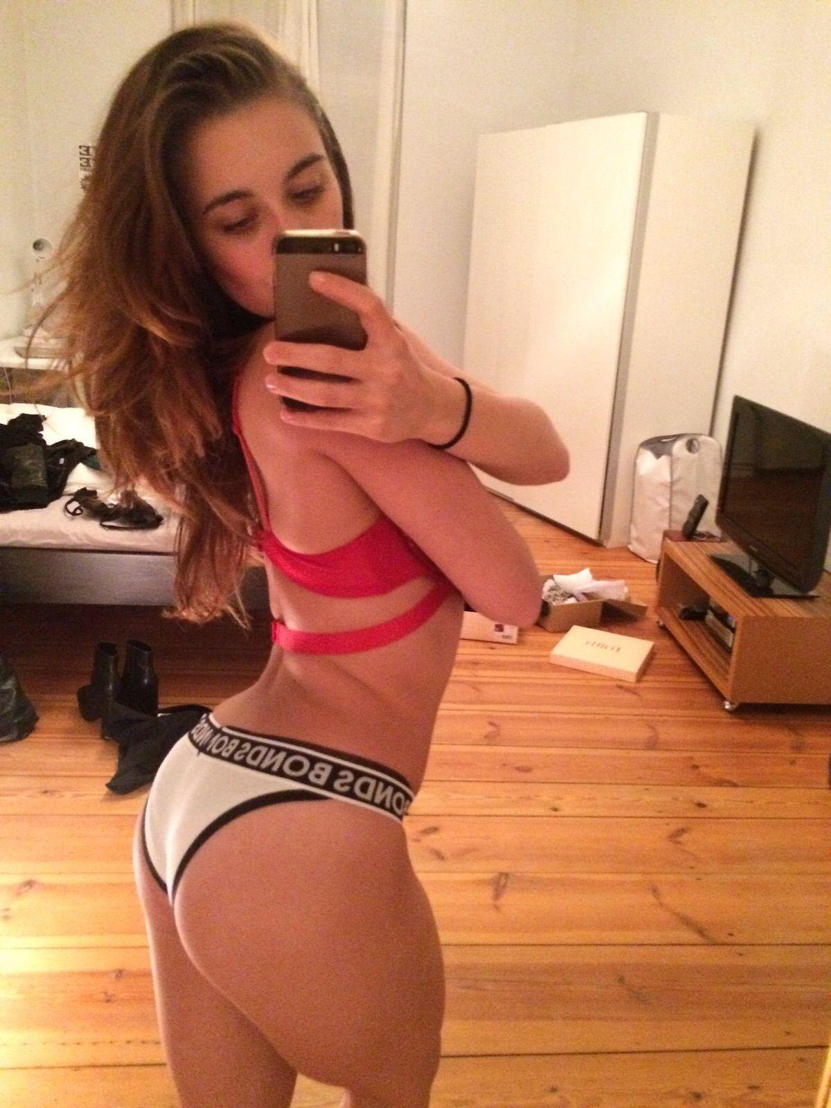 German Ballet Dancer Laura Kokinova nude leaked blowjob video