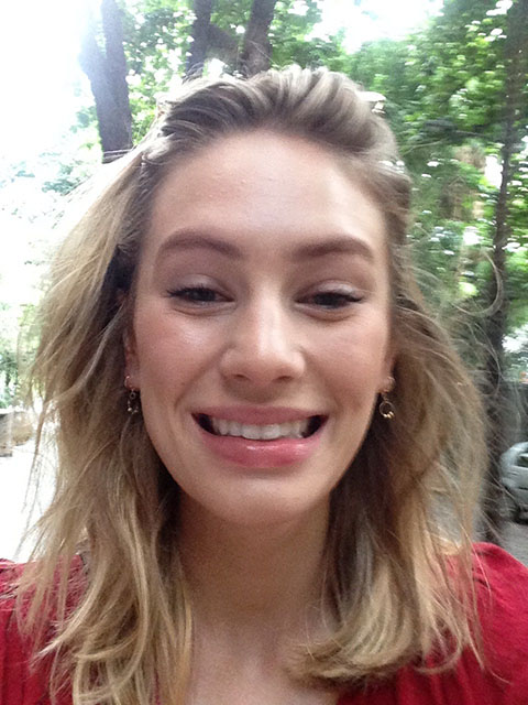 Sean Penn's Daughter and Hollywood actress Dylan Penn Peeing Leaked Photos