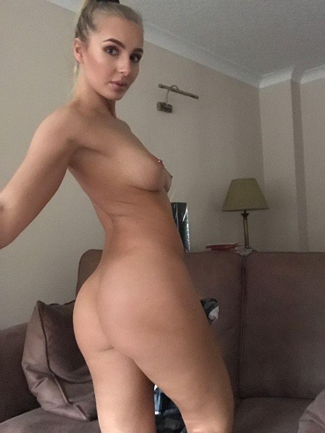 Lissy Cunningham Nude Selfies