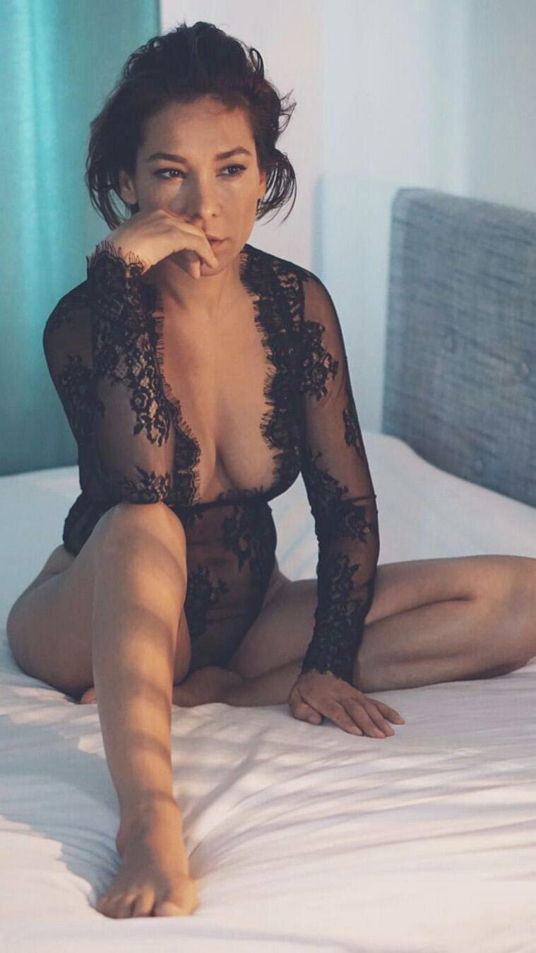 Deutsche Moderatorin Sandra Ahrabian Nude Leaked Selfies